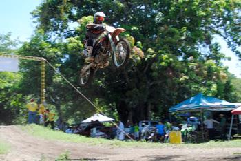 Exitoso Campeonato Nacional de Motocross 2014, en el Centro Turístico de Granada – INTUR