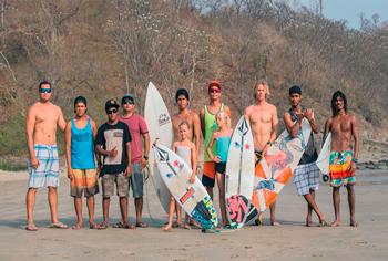 SELECCIÓN DE SURF  ENTRENA EN PLAYAS DE POPOYO