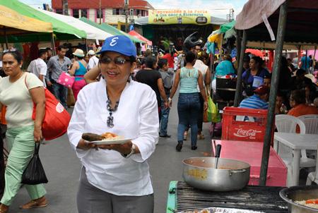 ESTELÍ REALIZA EXITOSA FERIA CON AMOR A NICARAGUA EN FAMILIA Y COMUNIDAD