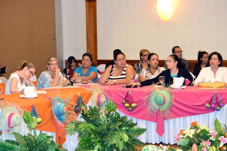 INTUR se reúne con Propietarios de Comiderias y Cafeterías