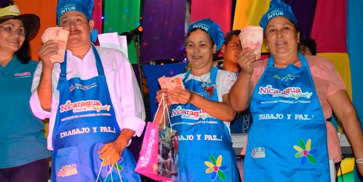INTUR realiza octavo concurso departamental de comidas navideñas en el Paseo Xolotlán