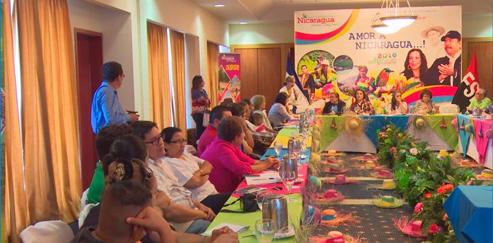 INTUR plantea soluciones para el problema de la basura en los destinos turísticos