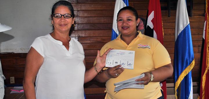 Protagonistas turísticos de Río San Juan beneficiados con segunda entrega de bonos turísticos