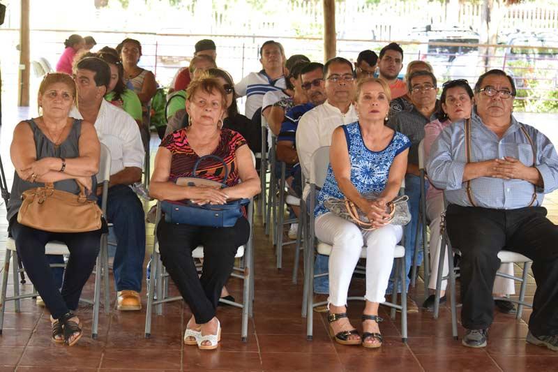 Entrega-de-Bonos-en-Managua