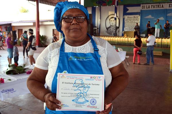 Paula Santos gana Octavo Concurso de Comidas de Cuaresma en Chinandega