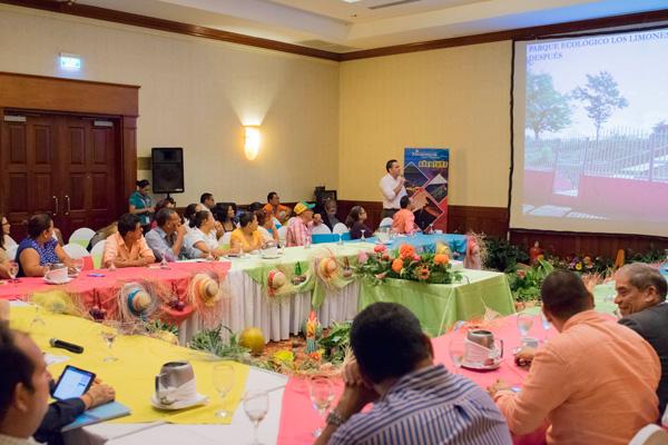 Por la diversificación de productos y servicios turísticos