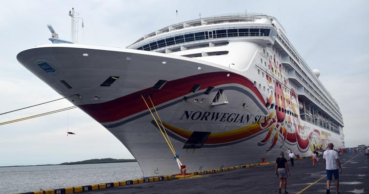 Cruceros Maasdam y Norwegian Sun atracan en puerto Corinto