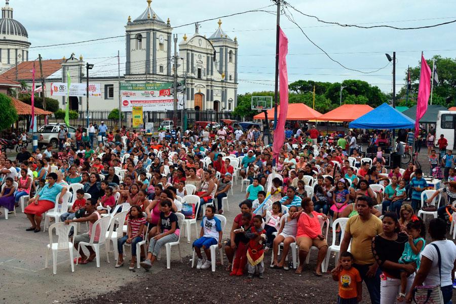 """""""Noches Culturales"""" rivenses celebraron a los reyes del hogar"""