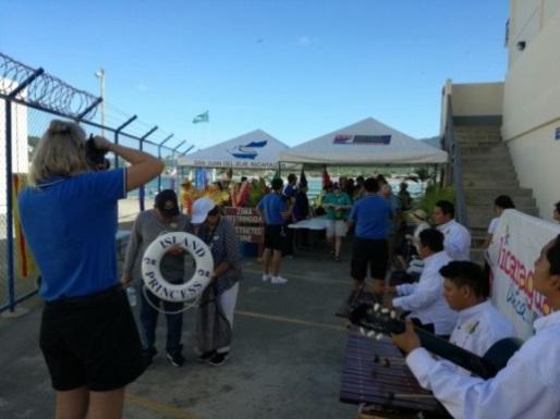Nicaragua recibe crucero Island Princess (3)