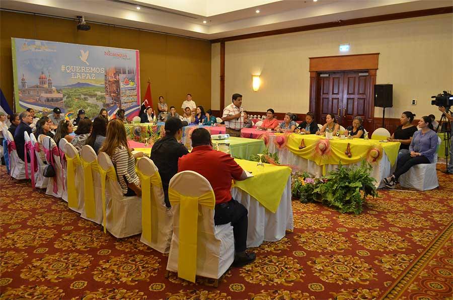 mesas de trabajo Desarrollo Humano y Liderazgo Empresarial