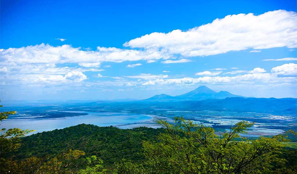 Cordillera-de-los-Maribios-desde-el-volcán-Cosigüina