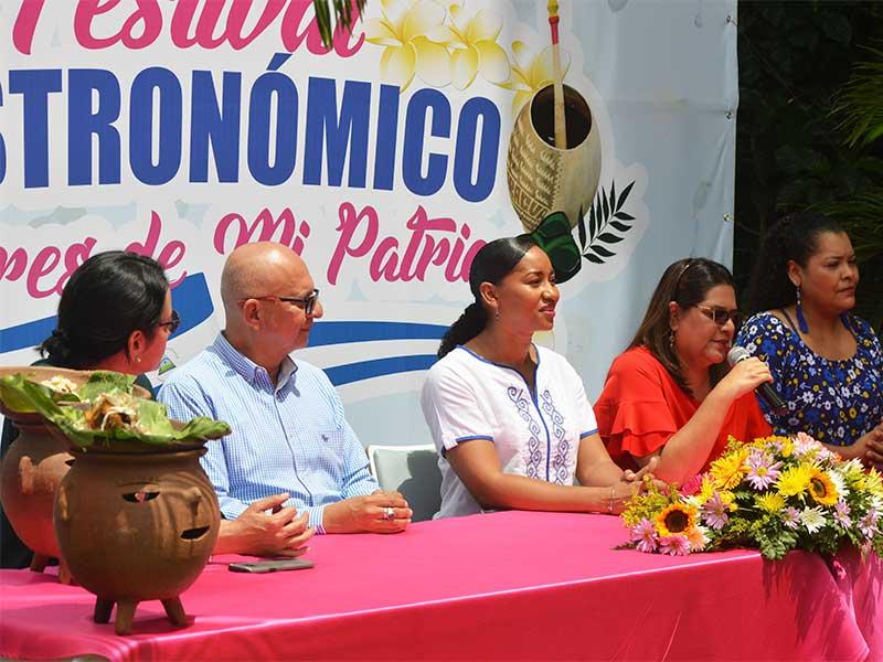 Festival-Gastronomico-Sabores-de-mi-patria-Conferencia