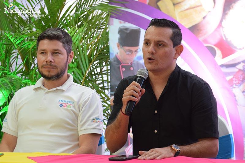 Aaron Peralta, Director de canal 6